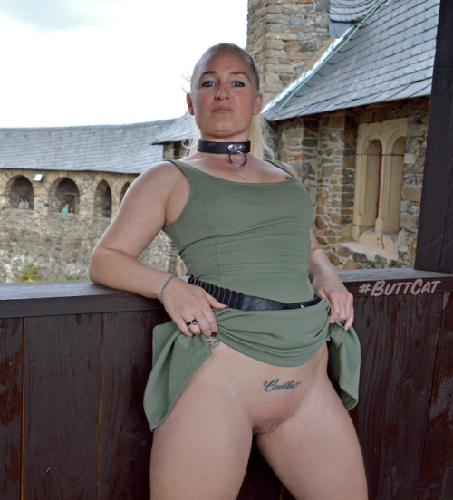 No panties mastersbuttcat: a castle is a nice location for upskirts. pantiesless