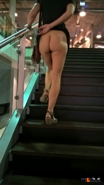 Public Flashing Photo Feed : Exposed in public Photo