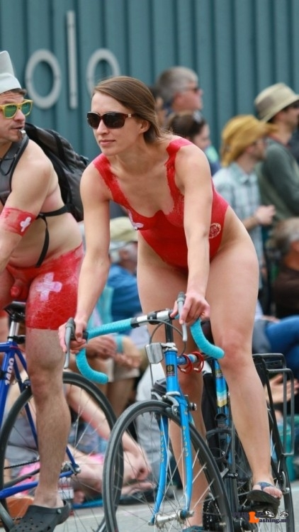 Flashing in public photo thenetty: Fremont Solstice 2017 – red swimsuit