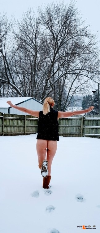 No panties naughtygf2share: Enjoying a naughty snow day ? pantiesless